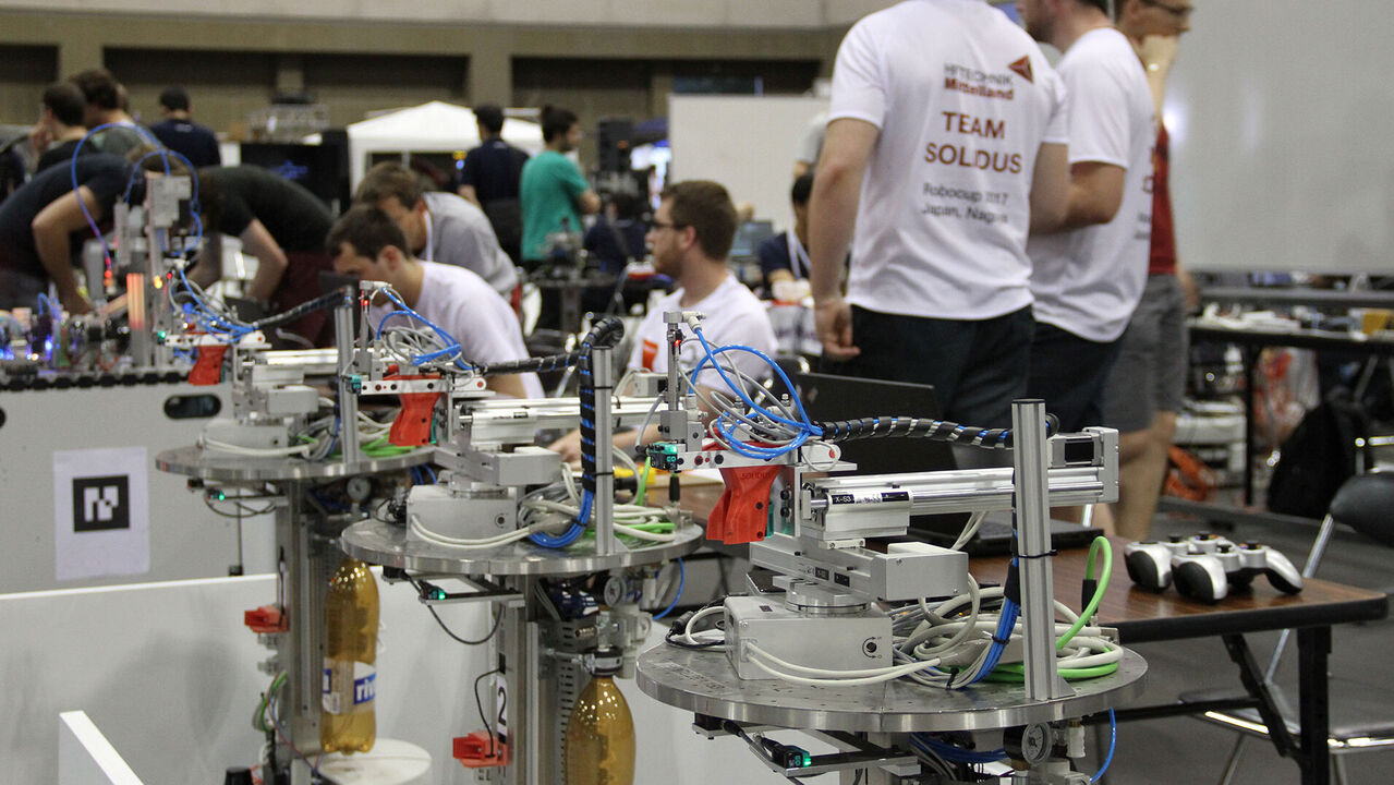 RoboCup 2018: hftm.team.solidus to compete in Montreal