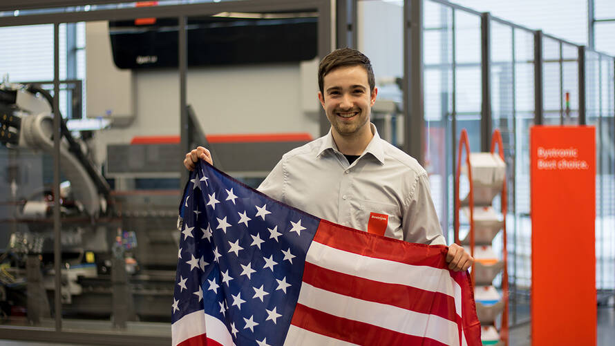 International opportunities! Originally working for Bystronic in Gotha as an intern and later as a working student, the applications technician Marcel Fiedler is now responsible for customer support and exhibitions in the US.