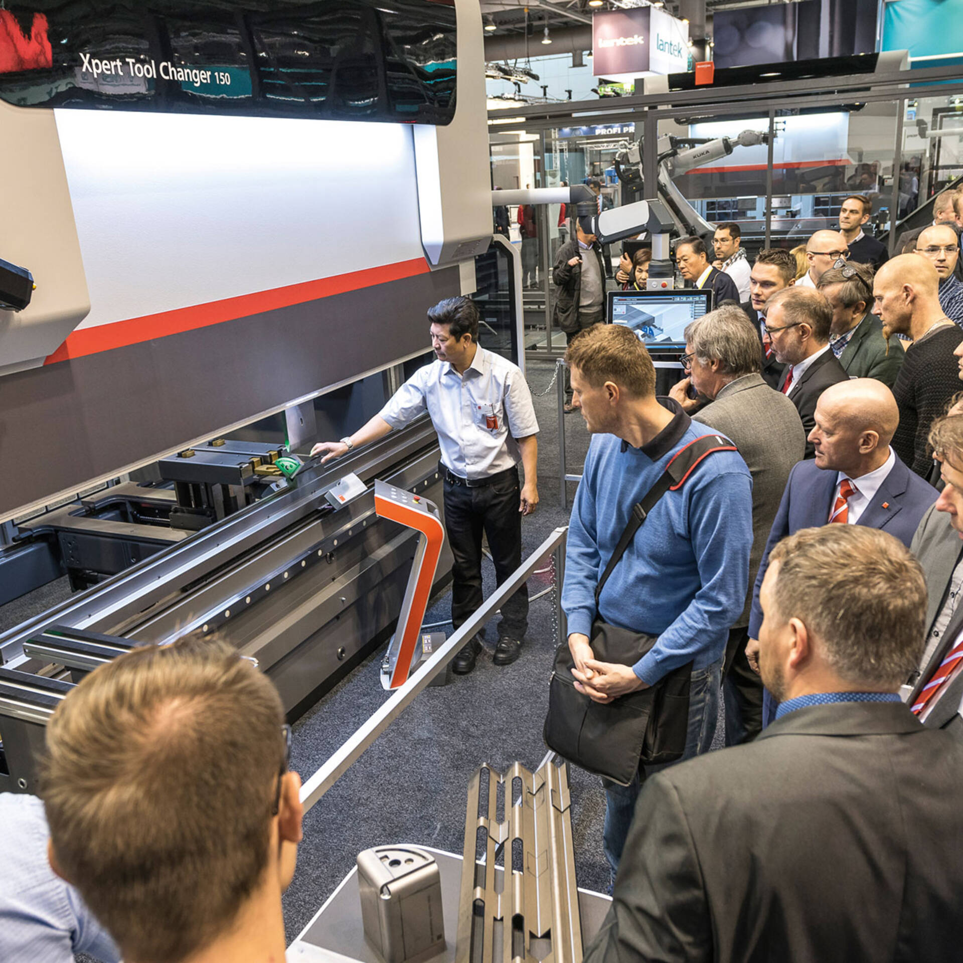 Experience the innovations in the field of sheet metal processing at EuroBLECH 2018.